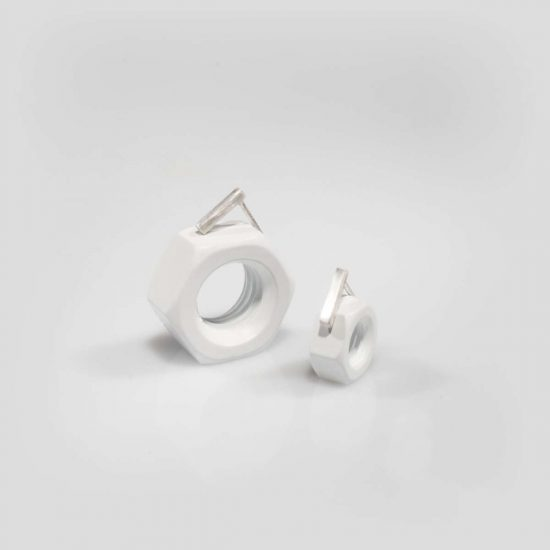 the small quod wire parallel earrings
