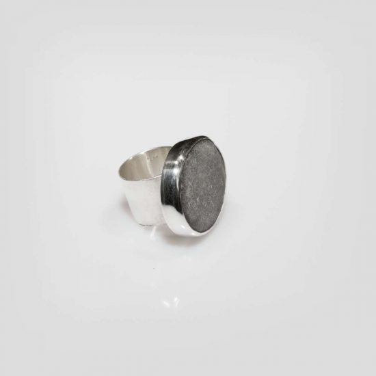 the grey pebble ring